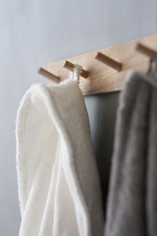 Trendenser - like this simple way of hanging towels etc