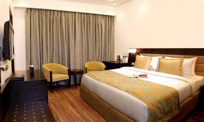 The Hotel Africa Avenue GK offers many facilities including a 24 hour reception, a lift and a restaurant serving Continental and Indian dishes.