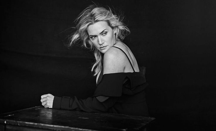 PIRELLI CALENDAR 2017: 2017 Pirelli Calendar Shows The Natural beauty of female celebrities Without Photoshop.Rather than putting make-up on women before a photo shoot, German photographer Peter Lindbergh captures their natural beauty and doesn't retouch the pics.