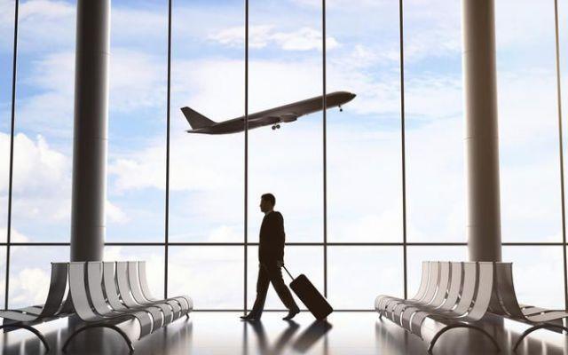 Come ottenere un risarcimento per ritardi o cancellazione dei voli Capita con una certa frequenza che un volo aereo venga soppresso o sia in ritardo. Cosa fare in questo caso? Lo sapevate che ai passeggeri spetta un risarcimento da parte delle compagnie aeree? I Non #voliritardi #cancellazione #risarciment