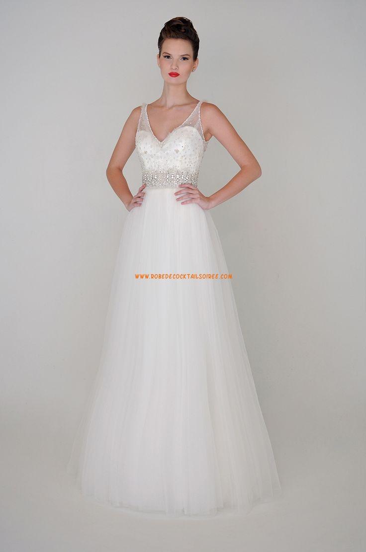 Robe de mariée coupe A col V tulle perles 2015