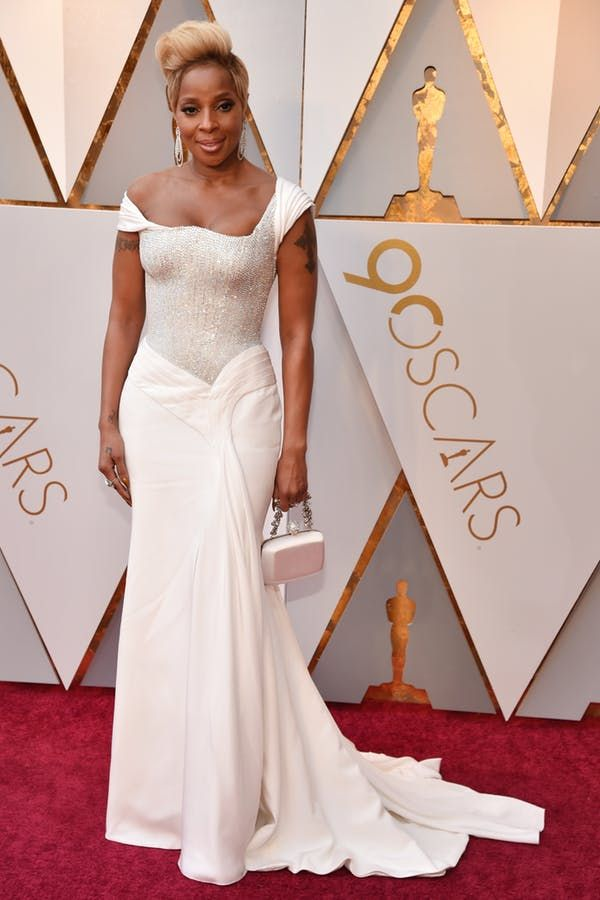 All the Best Red Carpet Looks from the 2018 Oscars #purewow #celebrity #news #red #fashion #trends #celebrity style #oscars
