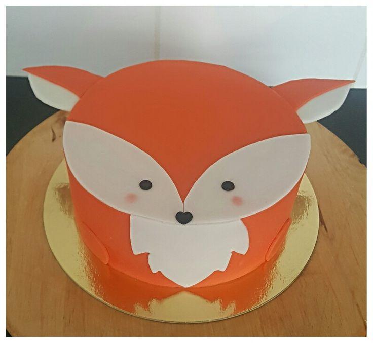 Cute little fox cake