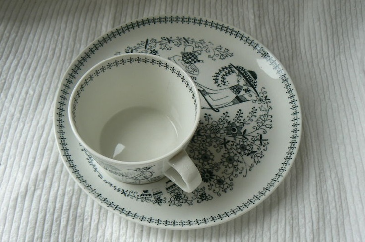 arabia finland #arabia #finland #cup_and_saucer Emilia coffee cup set.