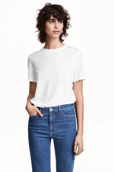 T-shirt z lyocellu: CONSCIOUS. T-shirt z miękkiego dżerseju z lyocellu  Tencel®.
