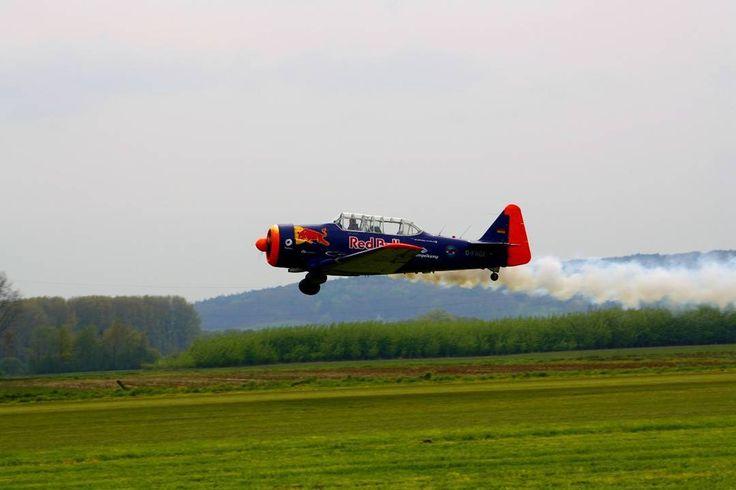 #aircraft #canon #1000 #eos #d #canon_official #instapix #artofvisual #nse_dusk #world_of_instapix #redbull #green #1 #blue #fly #photography http://tipsrazzi.com/ipost/1505595667581314110/?code=BTk80hdjSQ-