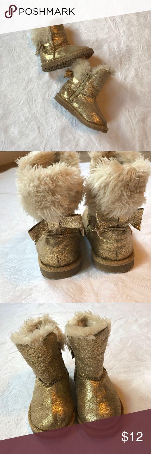 Target boots Gold Fur Size 6 Toddler Target boots Gold Fur Size 6 Toddler used good condition very warm Target Shoes Rain & Snow Boots