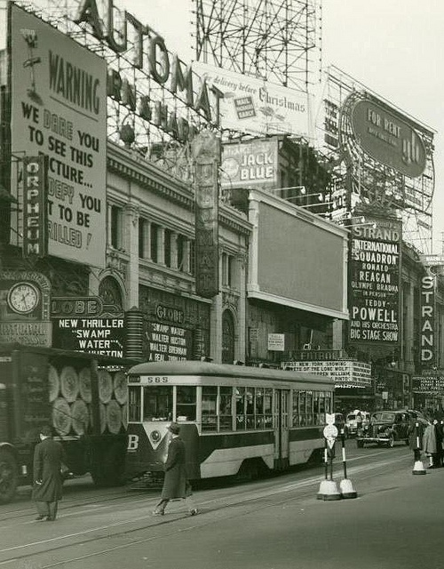 Old New York City ~ ca.1941. This is at 47th & Broadway??