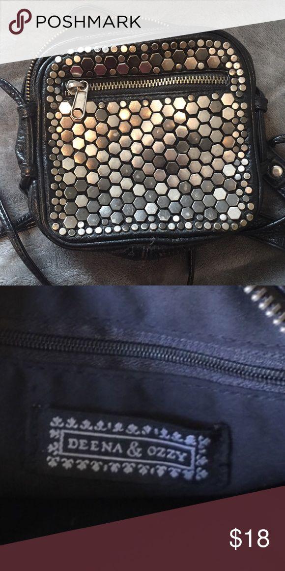 Deena & Ozzy Crossbody Bag Little black crossbody bag! Deena & Ozzy Bags Crossbody Bags