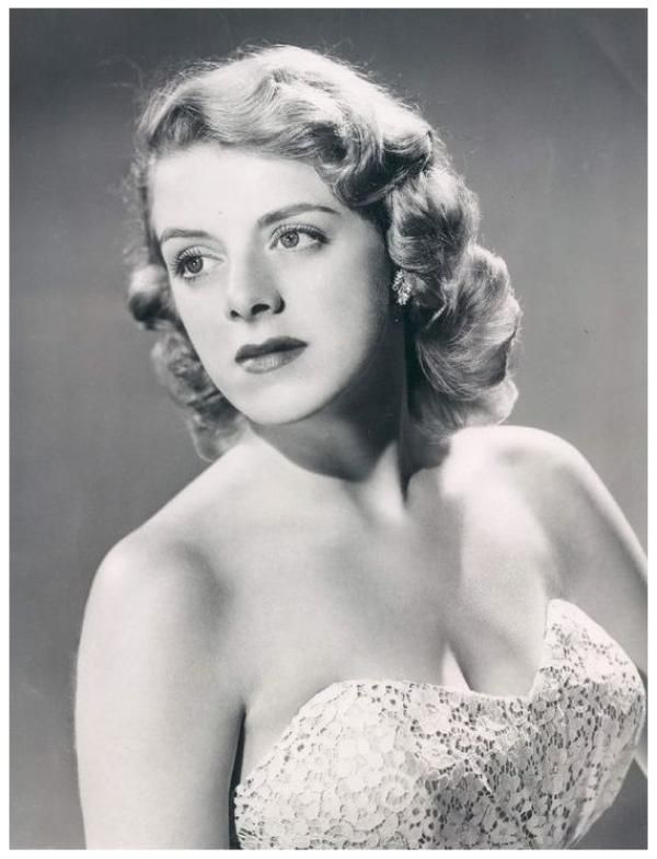 Rosemary CLOONEY beautiful voice, loved her in White Christmas