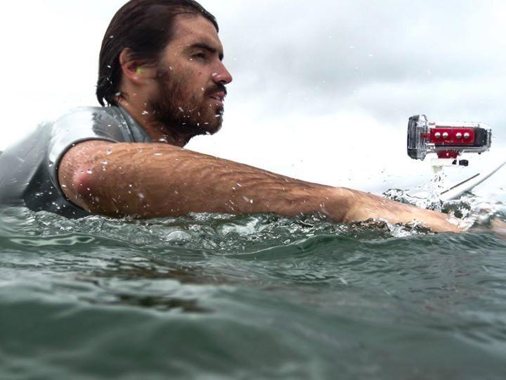 Drift HD Ghost lista para sumergirse hasta 40 metros de profundidad con el watercase. Surf!
