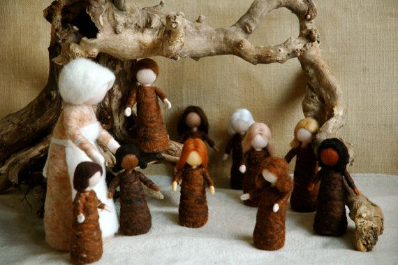 Waldorf inspired needle felted dolls: Mother Earth and Her Children (Sibyle Von Olfer's).