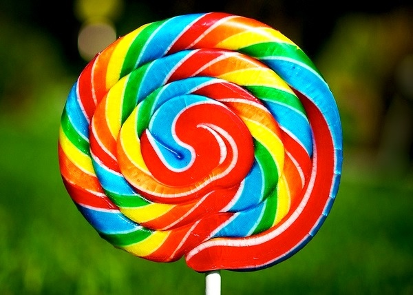 Rainbow swirl lollipop.. WE COULD USE A LOLLIPOP FOR THE DOLCE VITA TOO....