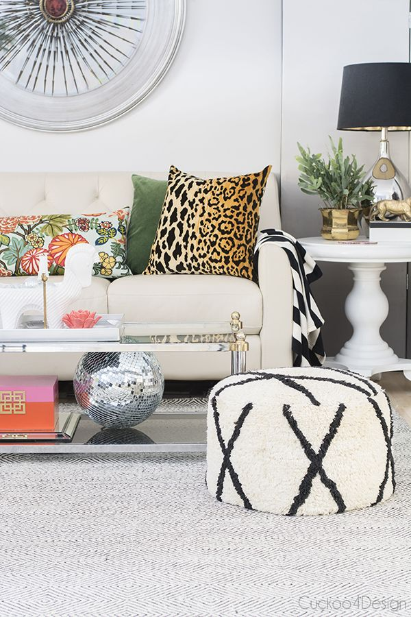 Swapping different colored pillows and styles - Cuckoo4Design