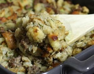 Turkey to Dessert: A Classic Thanksgiving Menu With Recipes: Stuffing and Dressing Recipes