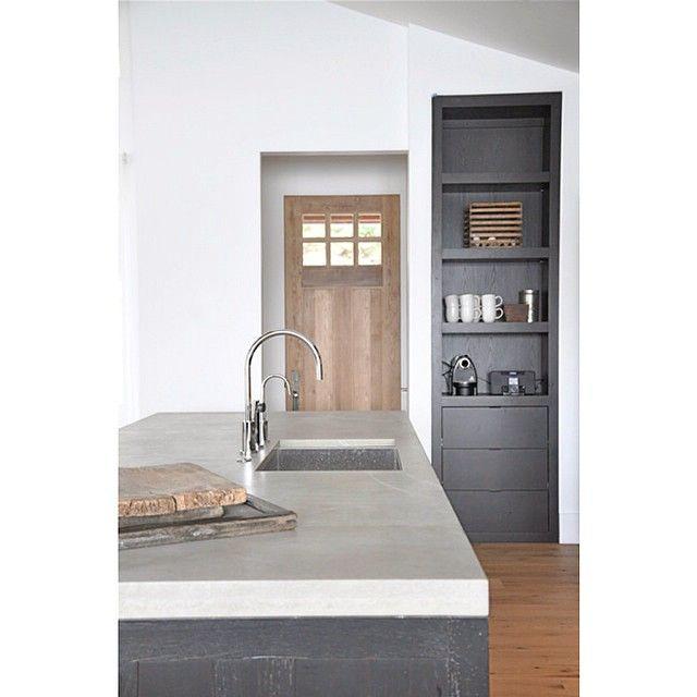 North Carolina Lake House Designed By Briggs Edward Solomon Kitchen Reclaimed White Oak Stained Ebony