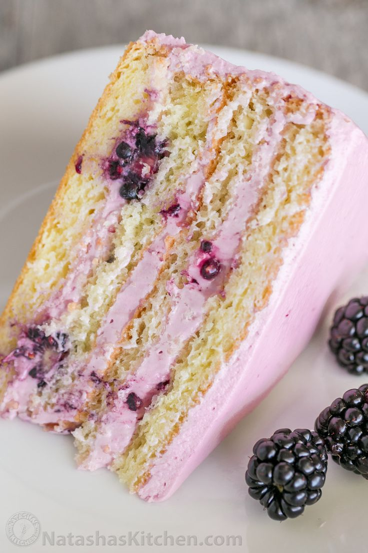 Blackberry Cake with Lemon Blackberry Frostiong by natashaskitchen: Soft and moist blackberry cake with fluffy blackberry lemon buttercream frosting. This blackberry lemon cake is sweet and tart with plenty of juicy berries. #Cake #Blackberry #Lemon