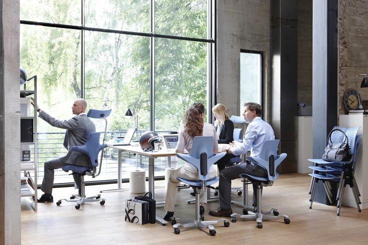 HÅG Capisco Puls and HÅG Wing chairs in blue! #relaxing #office #InspireGreatWork #design #Scandinavian
