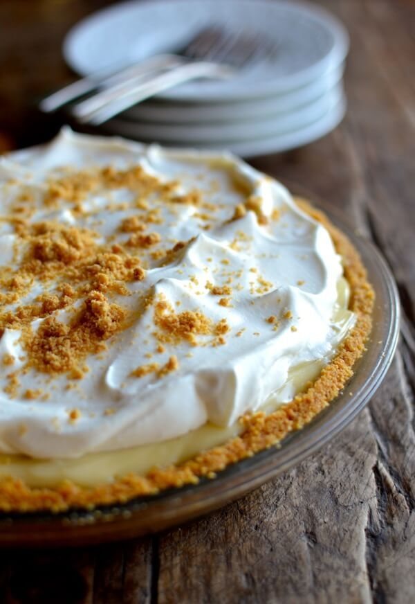 Is there a dreamier dessert out there than banana cream pie? Yes there is. Boozy banana cream pie. That is all.