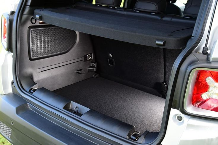 Jeep Renegade SUV 2014 pictures   Carbuyer