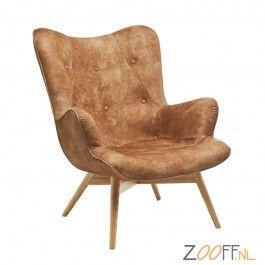 Kare Design Angels Wings Fauteuil leer Zeer charmante stoel van Kare Design uitgevoerd in een lederen uitvoering. Met fijn gevormd, gebogen zitvlak, bekleed in Chesterfield stijl (gekapitonneerd). Het frame is gemaakt van massief gelakt beukenhout.  De Kare Design Angels Wings Stoel is bij Zooff verkrijgbaar in de volgende 7 kleuren: geel, antraciet, blauw, bruin, groen, karmijn en mosterd. Bovendien is de Angels Wings Stoel ook verkrijgbaar in een lederen 2-zits bank uitvoering.