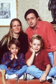 Culkin family ( mom Patricia, dad Kit  and sons Macaulay and Kieron). In the photo are missing Rory, Dakota, Christian, Shane and Quinn Culkin. There are seven children.