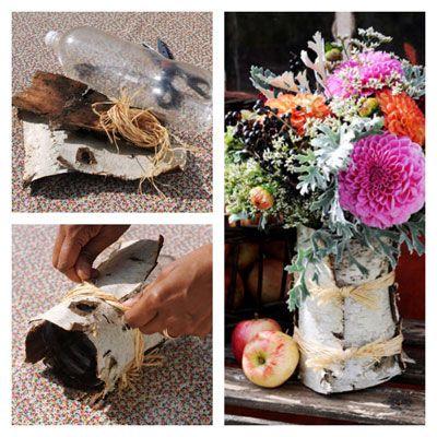 Mooi en makkelijk te maken: een vaas van berkenschors. Alles wat je nodig hebt is een petfles van 2 liter, berkenschors en een bosje raffia.