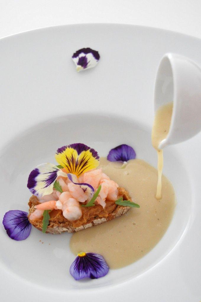 crema de verduras con tostada de mouse de gamba de palamós