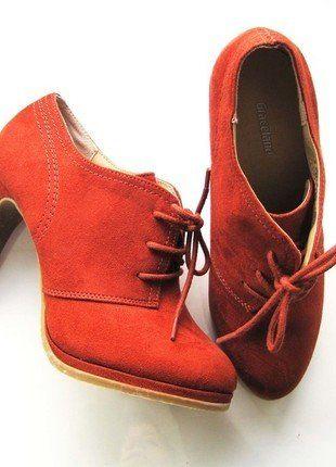 Kaufe meinen Artikel bei #Kleiderkreisel http://www.kleiderkreisel.de/damenschuhe/halbschuhe/138451687-hochfront-pumps-mit-schnuren-in-ziegelfarbe