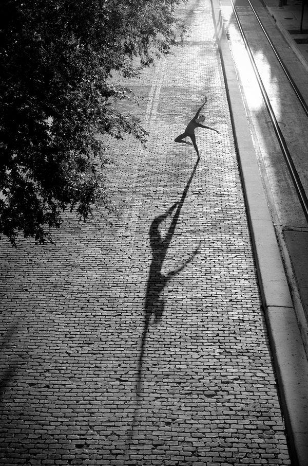 Uma das encantadoras imagens da série de bailarinas da fotógrafa Dane Shitagi.