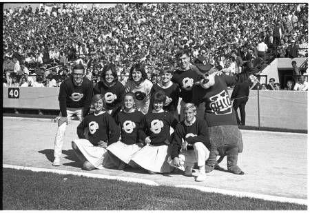 Ohio University cheerleaders pose with the Bobcat, 1966 :: Ohio University Archives