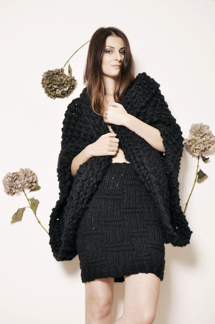 Pletená sukně černá  - MIK