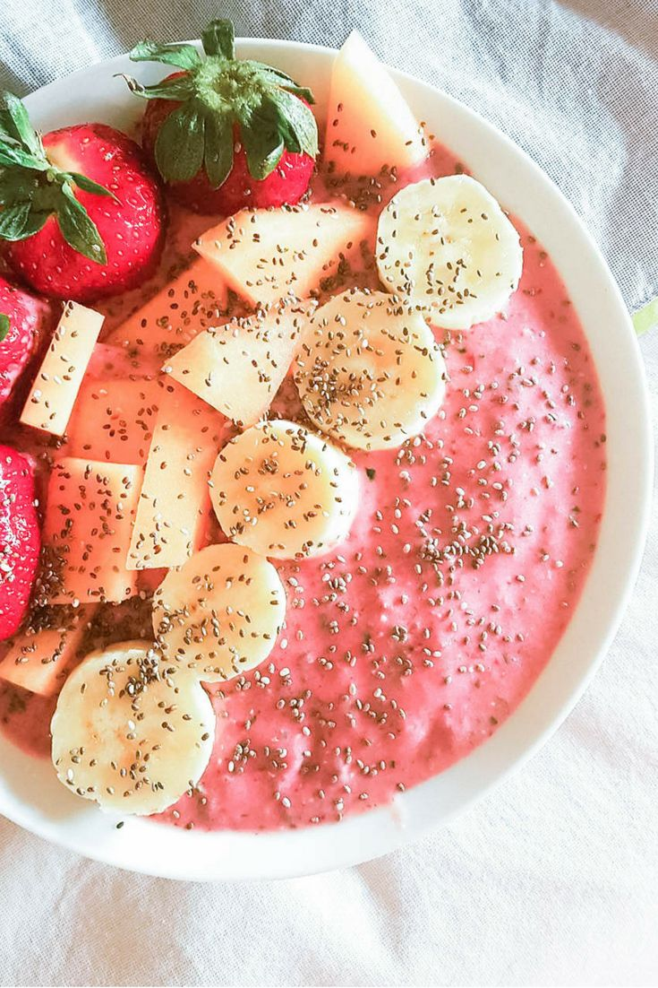 Vegan Strawberry Banana smoothie bowl with Kale and coconut cream, HCLF, Raw, Fruitarian, for Plant Based Cooks Vegan Magazine. http://www.plantbasedcooks.com/vegan-strawberry-banana-smoothie-bowl-with-coconut/