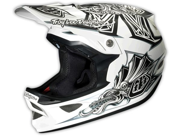 Troy Lee Desings D3, ideal para Downhill, o las pasadas más duras de Enduro.  Encuentralo en :  https://www.facebook.com/AdrenalinaSport.CL