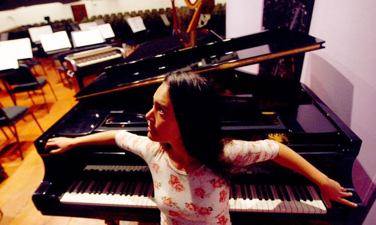 Mahani Teave, pianista rapa nui, quiere que la música clásica sea para todos.