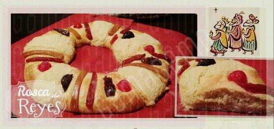 Mi Rosca de Reyes -Gama Gamo     De esta receta salen dos roscas del tamaño como en la foto   INGREDIENTES....  ●500 gr de harina de fuerza ('para Pan') cernida  ●100 gr de azúcar (1/2 taza)  ● 15 gr levadura en polvo (son un poquitín más de 2 cdas)  ●150 ml de Agua (tibia)  ●25 gr de Leche en Polvo (poco menos de 1/4 taza)  ●4 huevos batidos (temp ambiente)  ● 10 gr de sal (poco menos de una cucharada)  ●Ralladura de una naranja y 2 cdas de extracto de naranja.  ●130 gr de mantequilla (Temp…