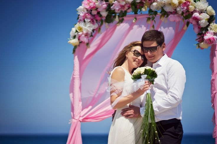 wedding in cyprus/ pink arch