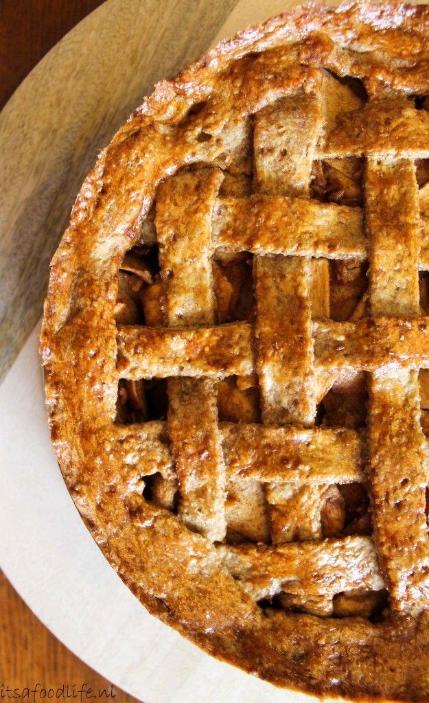 Hét recept voor gezonde appeltaart! Een klassiek recept net iets aangepast zodat de ingrediënten wat gezonder zijn!