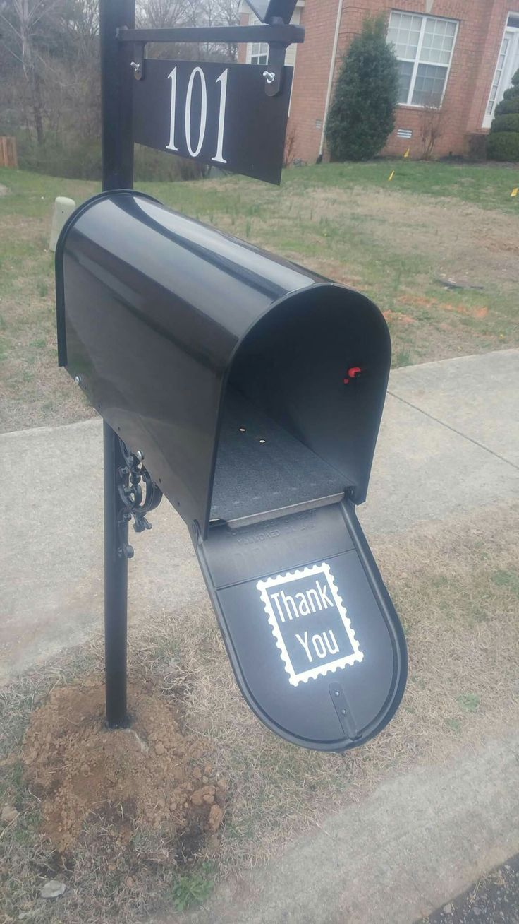 Vinyl for your mailbox. Cute little add on to brighten up your postmans day.