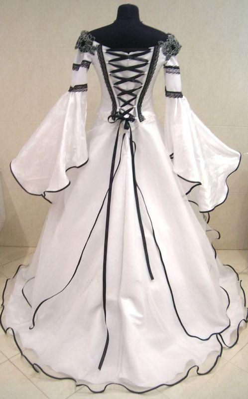 Elegant, medieval-style wedding dress (back)Not my thing, but if you dig midieval style THIS is pretty!!!~K~