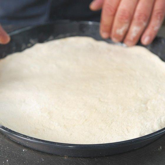ESSEN & TRINKEN - Pizza-Teig Rezept