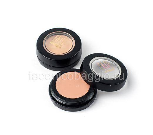 Корректор CREAM CAMOUFLAGE -  стойкий крем-камуфляж создает плотное покрытие, легко наносится и мягко растушевывается. Крем-камуфляж быстро фиксируется и образует мягкую и комфортную пленку на коже, устойчив к воде и потоотделению. Надежно маскирует различные дефекты кожи: акне, темные круги под глазами, родимые и пигментные пятна. Идеальное средство для коррекции шрамов, сильных синяков и татуировок.