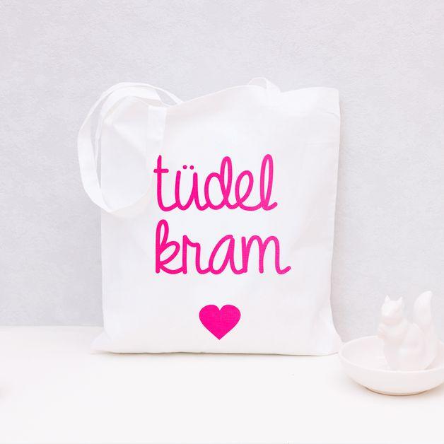 """Süßer Jutebeutel mit Herz und Typo """"tüdelkram"""" / cute tote bag with heart and quote by Eulenschnitt via DaWanda.com"""
