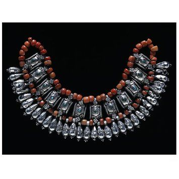 Embossed silver, turquoise, and coral necklace, Ladakh, 1800-1850. l Victoria and Albert Museum