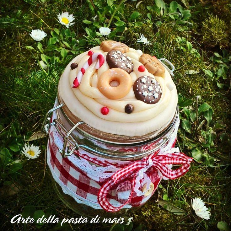 BISCOTTIERA CON PANNA E BISCOTTI, by Artedelapastadimais, 18,00 € su misshobby.com
