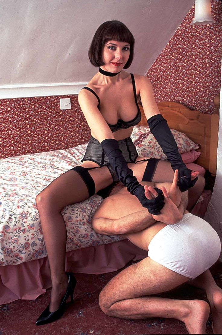 Bdsm bondage sub whipped and flogged 4