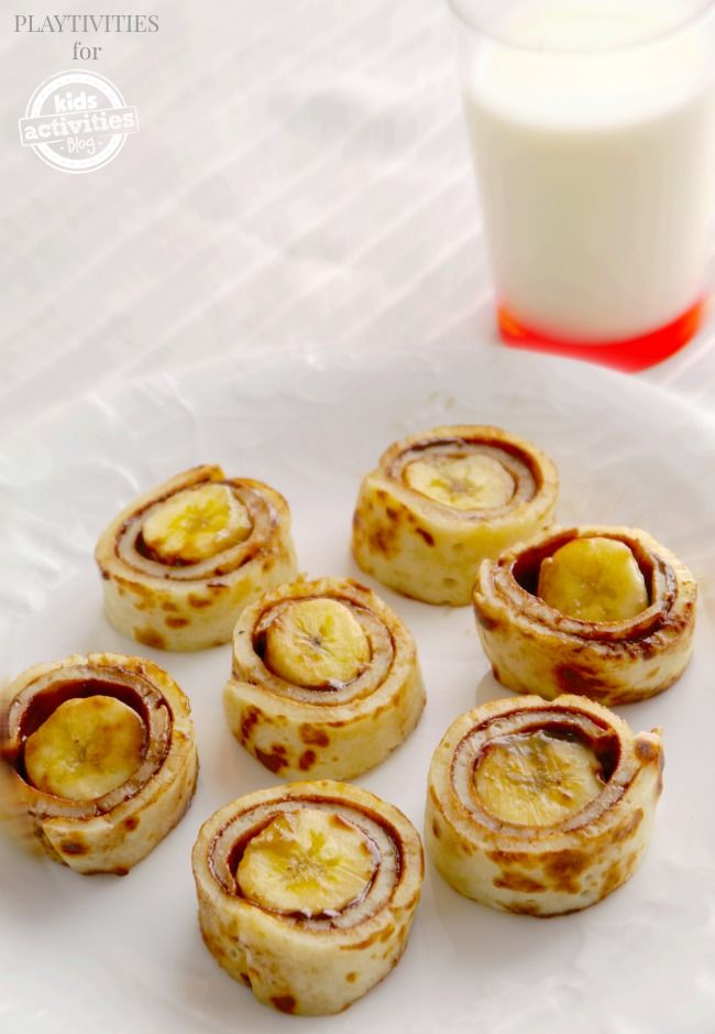 Pancake Rollups by kidsactivityblog: Super yummy, easy to make and the kids will love them. #Kids #Pancakes #Rollups