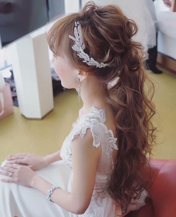 """3,260 Likes, 7 Comments - yuudai (@maison.de.rire) on Instagram: """"ジェニファーベアのリーフのヘッドアクセも可愛かった☺️✨ ドレスはエリザベスフィルモア"""""""