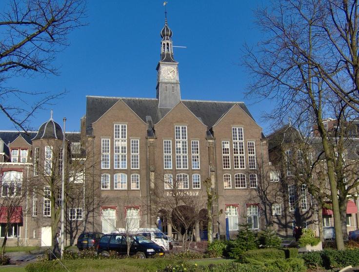 Leids Universitair Medisch Centrum, oude  bewaard gebleven Poortgebouw ( hier had ik mijn eerste echo's)