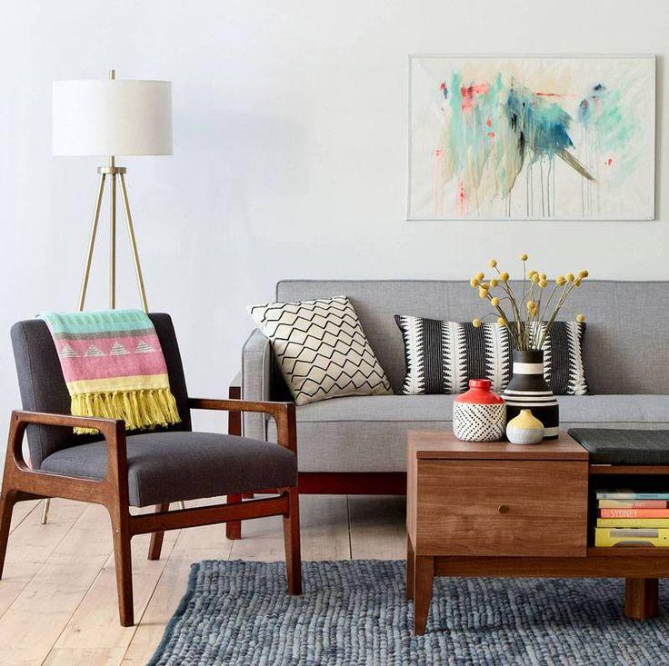 Cor, tamanho, material e posição dos móveis podem influenciar na percepção de espaço. Confira como deixar a sua pequena sala aconchegante